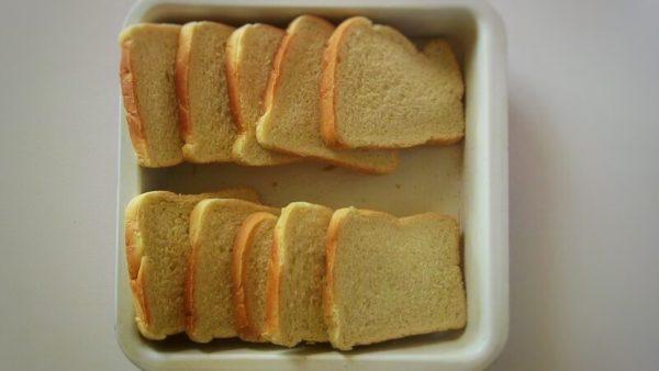 подсушенный белый хлеб